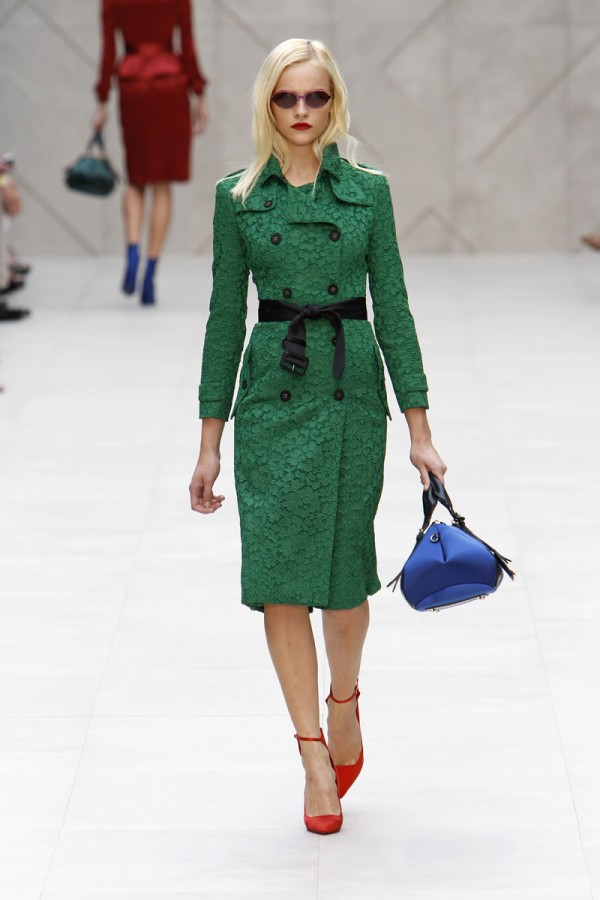 Pantone-Colour-of-the-Year-Emerald-2013-Burberry-600x900