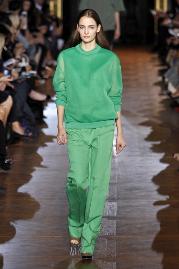 Pantone-Colour-of-the-Year-Emerald-2013-Stella-McCartney-2-600x900