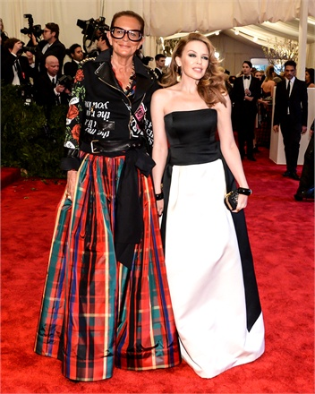 rossella-jardini-and-kylie-minogue-at-the-met-gala-2013-236431_0x440