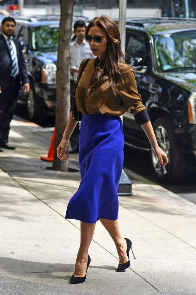 victoria-beckham-new-york-city-victoria-beckham-fall-2013-two-tone-keyhole-blouse-purple-high-waist-skirt