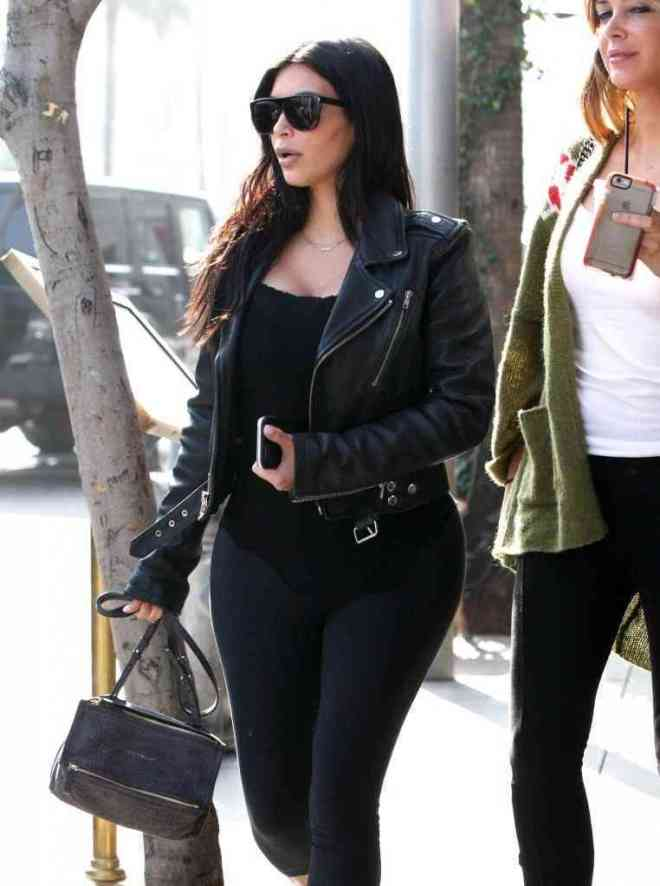 kim-kardashian-leather-messenger-bag3
