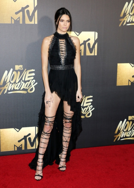 Kendall-Jenner-Kristian-Aadnevik-Black-Dress-2016-MTV-Movie-Awards