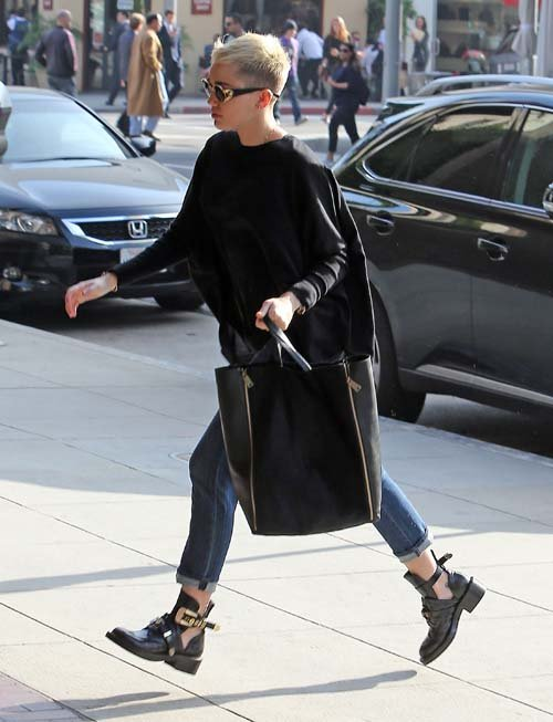 balenciaga_miley-cyrus-black-balenciaga-ceinture-high-derby-cutout-boot-shoes-Celine-Bag-Gianni-Versace-S65-16L-Front-Vintage-Sunglasses-Upscalehype-4.jpg