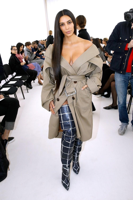 kim-kardashian-paris-10022016-5-1475430243-compressed