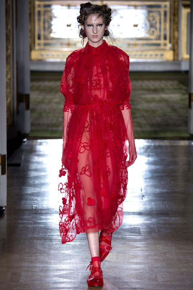 simone-rocha-red-outfit-dress-fw16-fall-winter-2016-latest-fashion-trends
