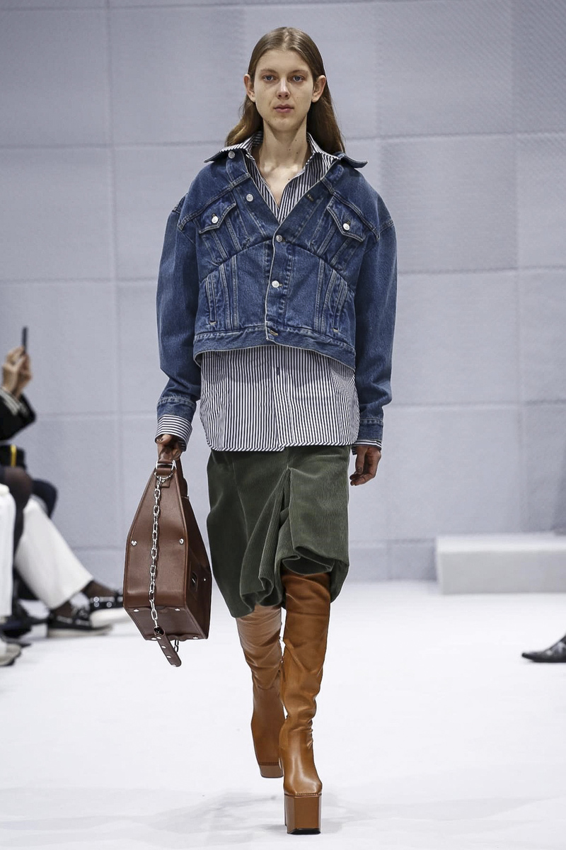 Balenciaga, Fashion Show, Ready To Wear Collection Fall Winter 2016 in Paris