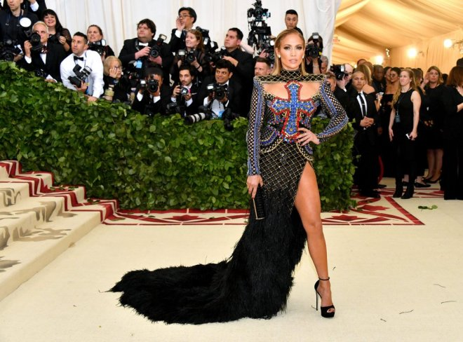 Jennifer-Lopez-Met-Gala-Dress-2018.jpg